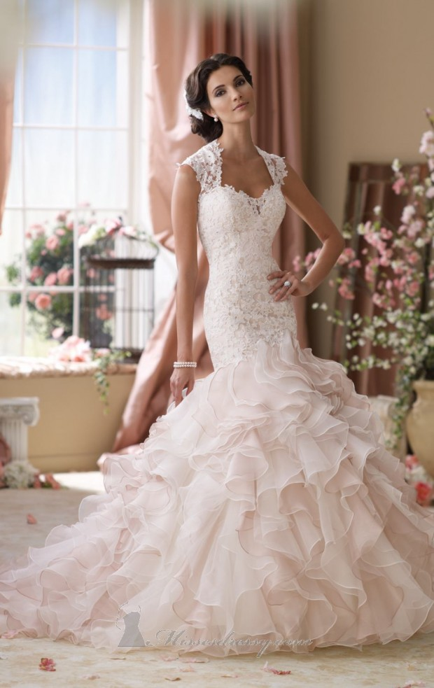 20 Lace Wedding Dresses for Romantic Brides