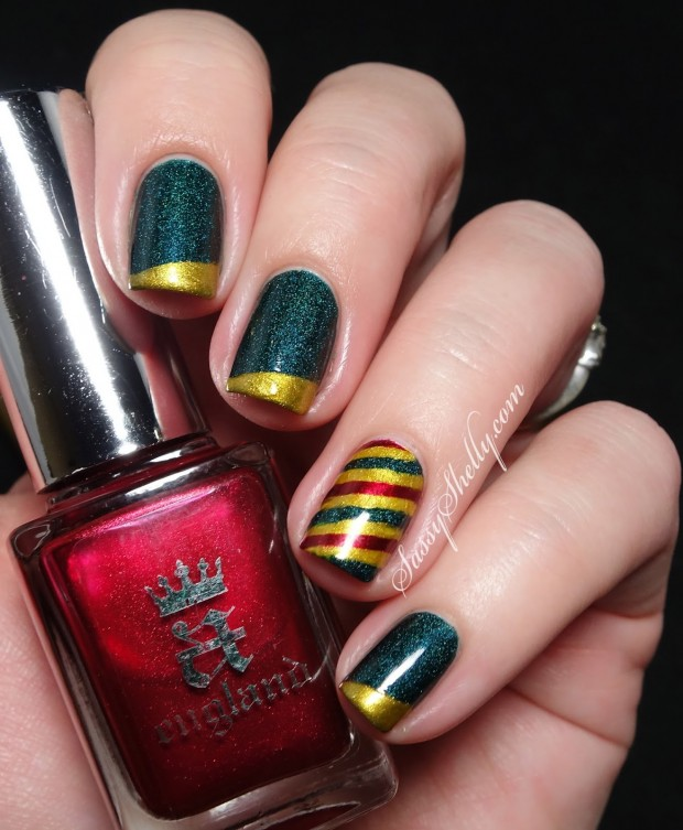 20 Sparkly and Glitter Nail Art Ideas in Christmas Spirit (1)