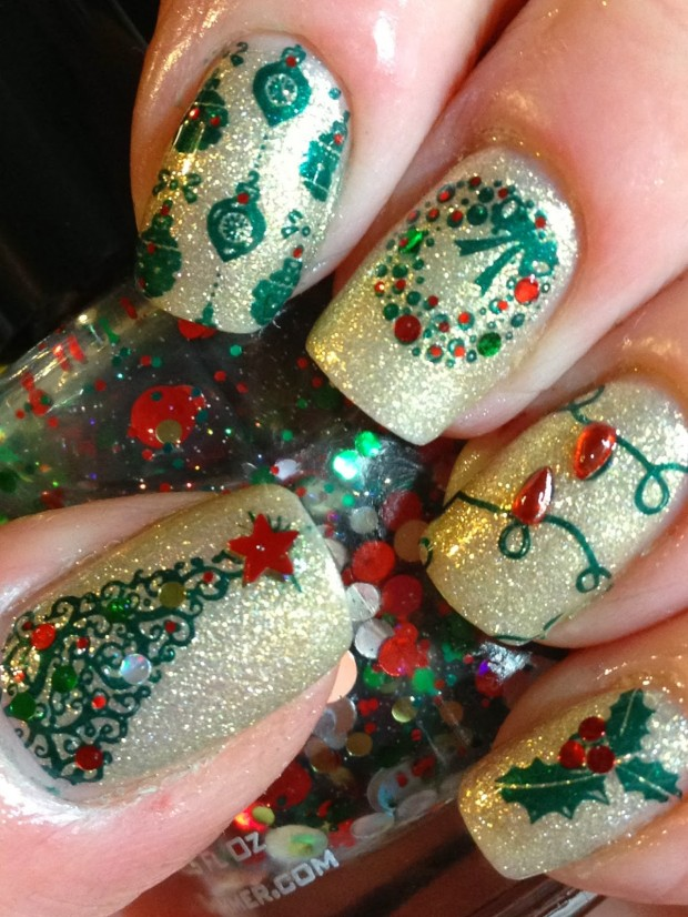 20 Sparkly and Glitter Nail Art Ideas in Christmas Spirit (10)