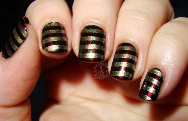 20 Sparkly and Glitter Nail Art Ideas in Christmas Spirit (13)