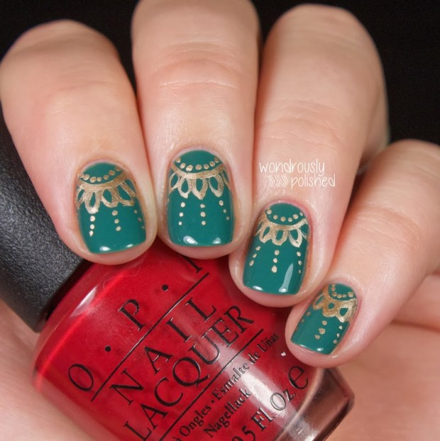 20 Sparkly and Glitter Nail Art Ideas in Christmas Spirit (14)