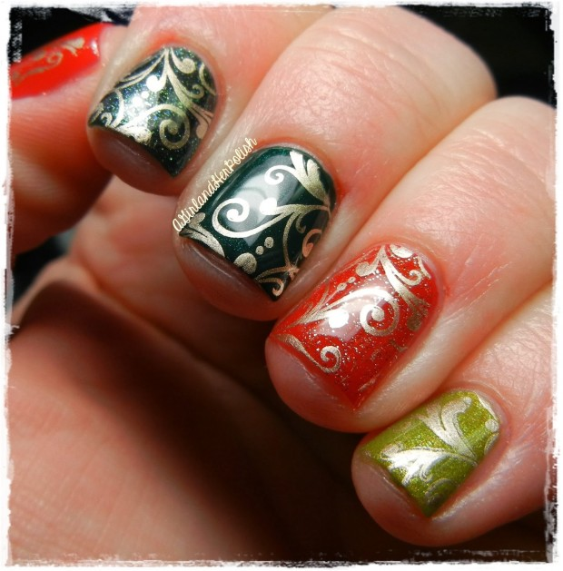 20 Sparkly and Glitter Nail Art Ideas in Christmas Spirit (6)