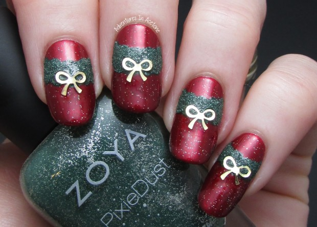 20 Sparkly and Glitter Nail Art Ideas in Christmas Spirit (9)