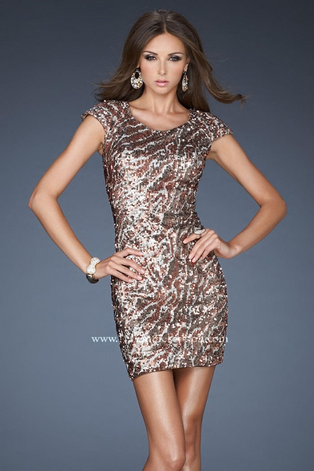 20 Stunning Cocktail Dresses for the Holiday Parties