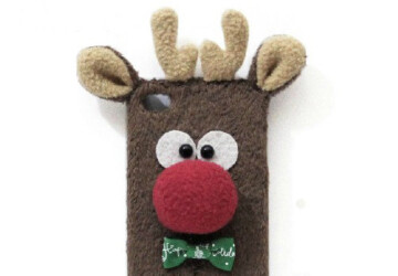 22 Stylish Christmas iPhone Cases for the Festive Season - winter, tree, snowman, snowflakes, smart phone, smart, season, santa, reindeer, phone case, phone, iPhone, holiday, festive, father christmas, elf, deer, Christmas, chevron, cell, case, animal
