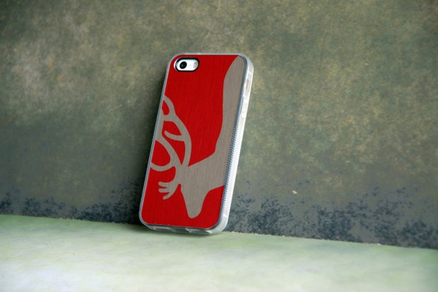 22 Stylish Christmas iPhone Cases for the Festive Season (15)