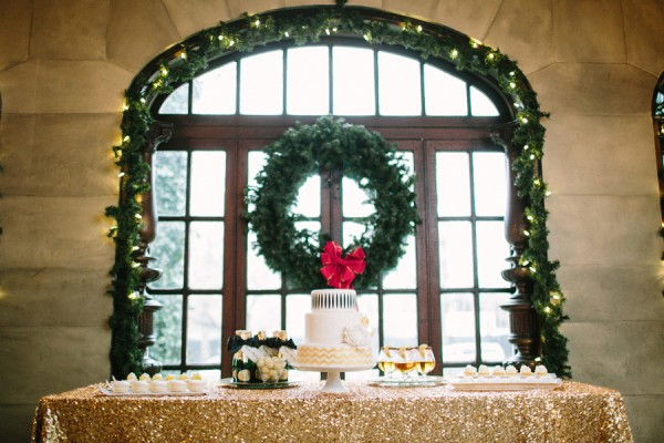 24 Dreamy New Year's Eve Wedding Ideas (5)