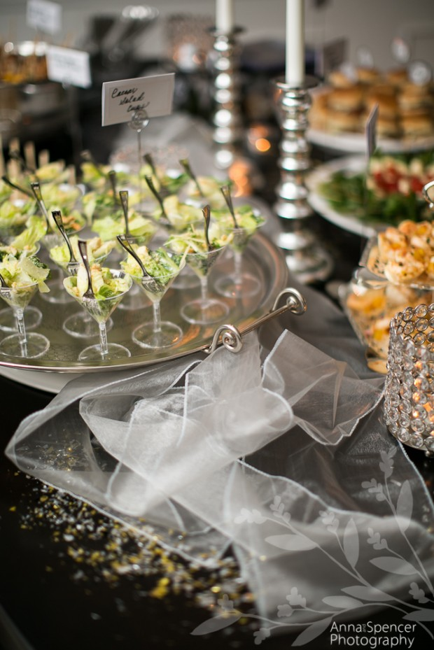 24 Dreamy New Year's Eve Wedding Ideas (7)