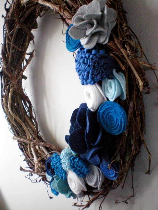 28 Fascinating Handmade Christmas Wreath Designs (16)