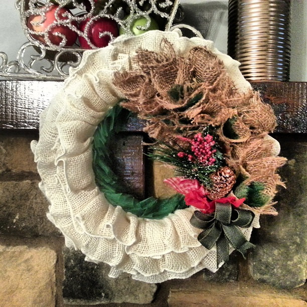 28 Fascinating Handmade Christmas Wreath Designs (25)