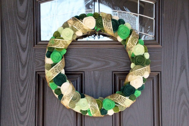 28 Fascinating Handmade Christmas Wreath Designs (26)