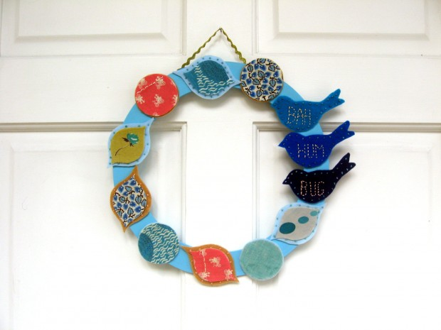28 Fascinating Handmade Christmas Wreath Designs (27)