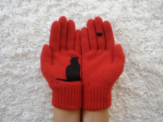 A Collection of Cute Handmade Christmas Gloves (1)