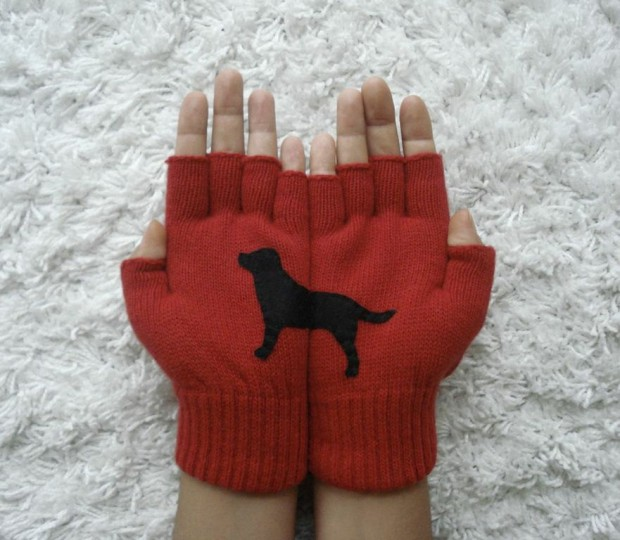 A Collection of Cute Handmade Christmas Gloves (11)