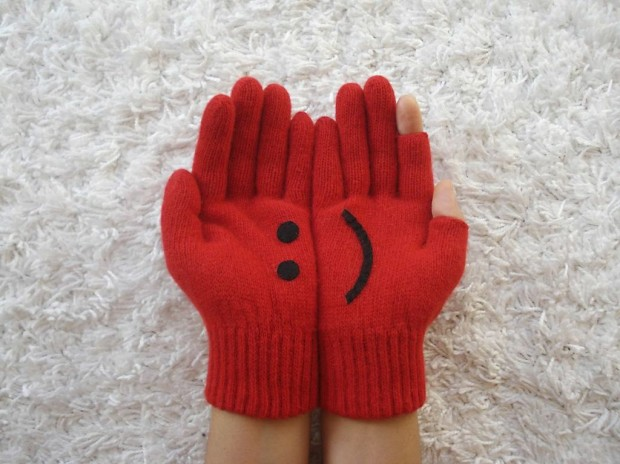 A Collection of Cute Handmade Christmas Gloves (6)