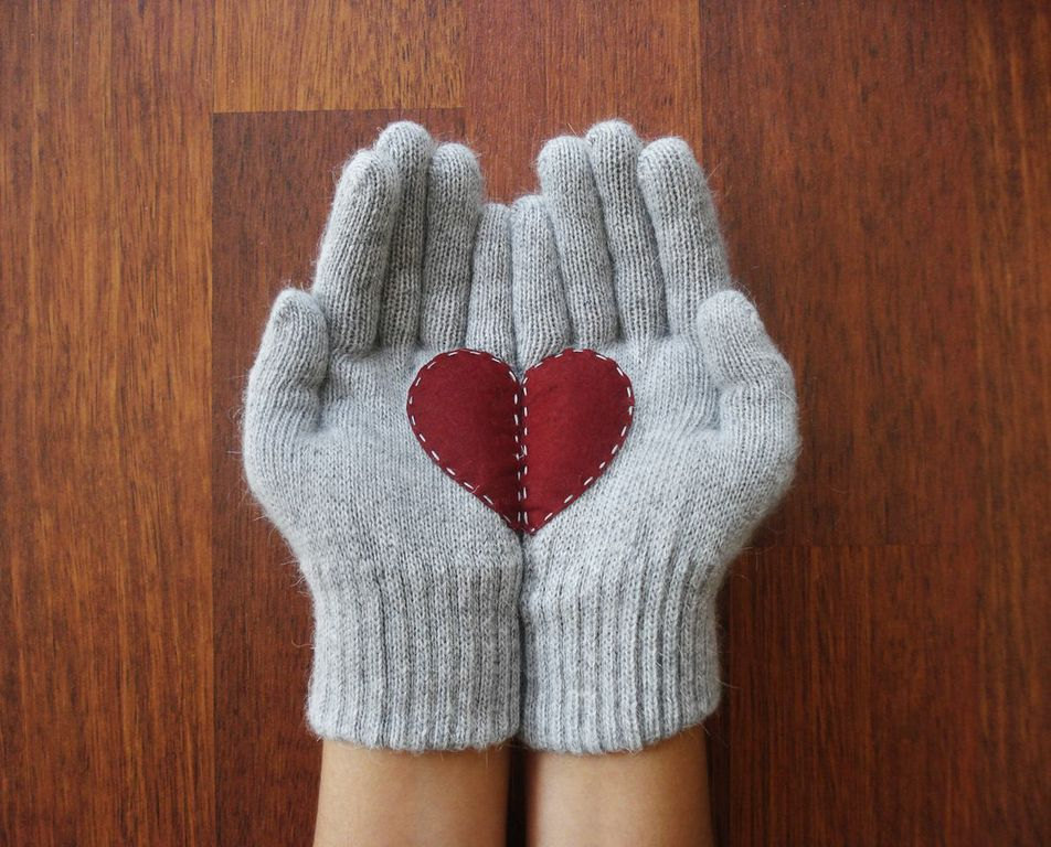 A Collection Of Cute Handmade Christmas Gloves Style