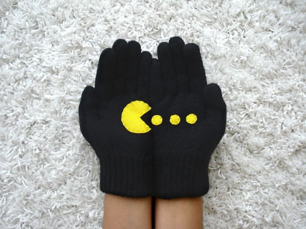 A Collection of Cute Handmade Christmas Gloves (8)