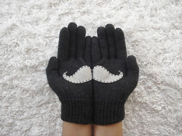 A Collection of Cute Handmade Christmas Gloves (9)