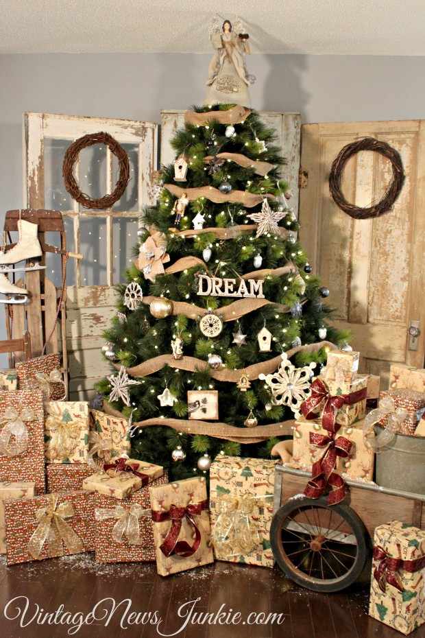 15 Christmas Tree Decoration Ideas that will Make Your Home Adorable