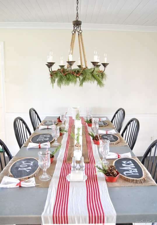 How To Decorate Your Dining Table For Christmas 20
