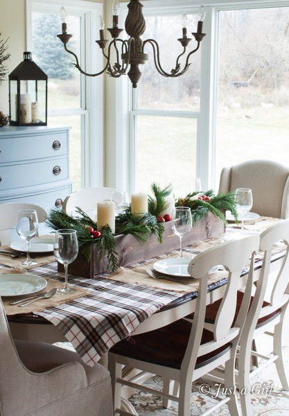 How to Decorate Your Dining Table For Christmas 20 Stunning Ideas (5)