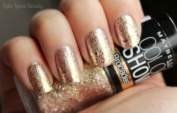 Marry and Bright Nails for Holiday Season 22 Gorgeous Ideas (13)