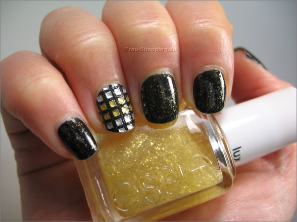 Marry and Bright Nails for Holiday Season 22 Gorgeous Ideas (8)