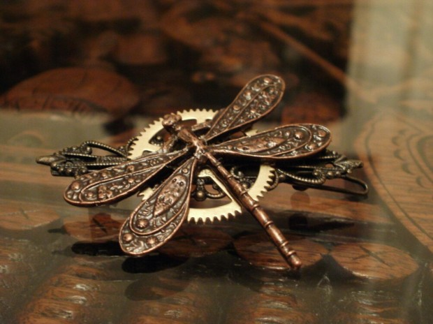 18 Beautiful Handmade Steampunk Accessories