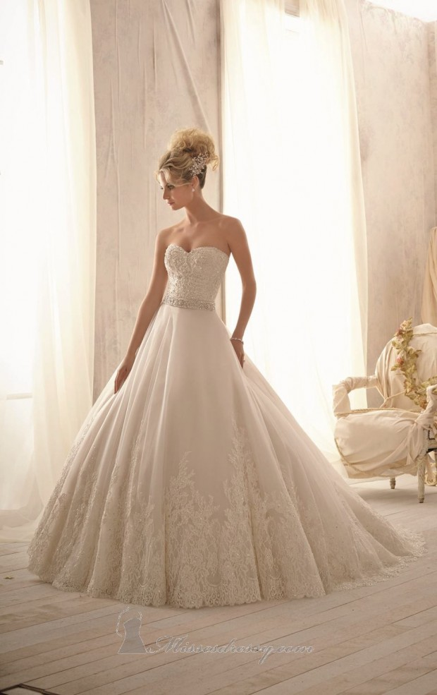 20 Beautiful Ball Gown Wedding Dresses for Glamorous Brides (11)