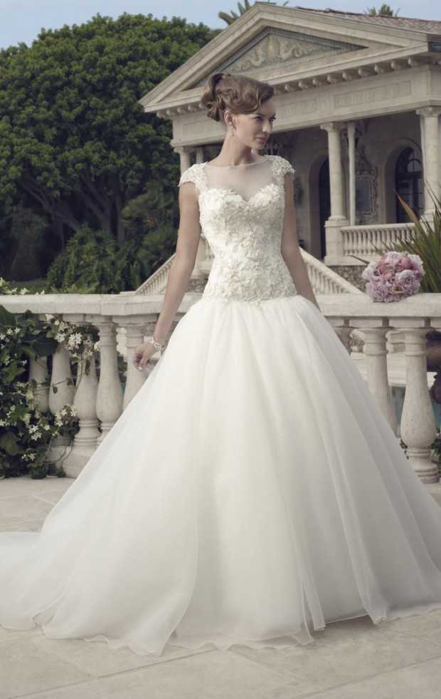 20 Beautiful Ball Gown Wedding Dresses for Glamorous Brides (3)