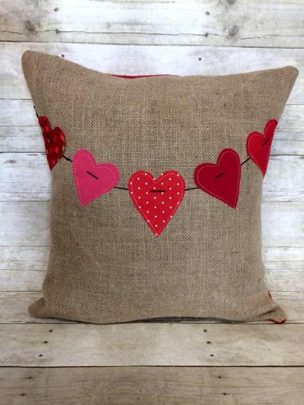 20 Charming Handmade Valentine's Day Pillow Designs (11)