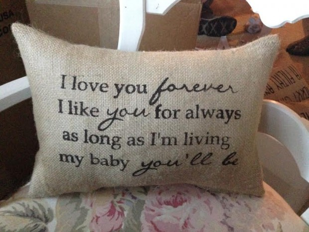 20 Charming Handmade Valentine's Day Pillow Designs (12)