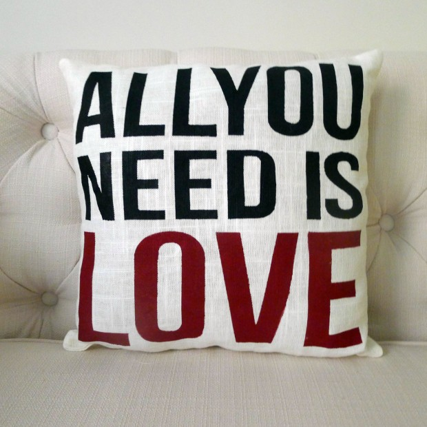 20 Charming Handmade Valentine's Day Pillow Designs (16)