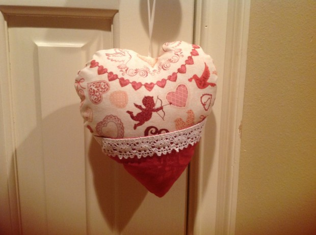 20 Charming Handmade Valentine's Day Pillow Designs (2)