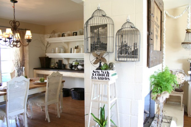 20 Creative Decorating Ideas with Bird cages for Vintage Home Look (16)