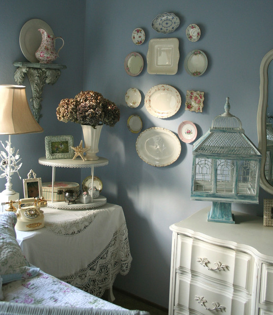 20 Creative Decorating Ideas with Bird cages for Vintage Home Look (21)