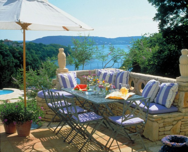 20 Outdoor Breakfast Nook Ideas for Bright and Beautiful Morning (19)