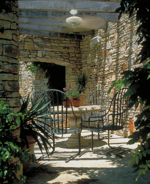 20 Outdoor Breakfast Nook Ideas for Bright and Beautiful Morning (7)
