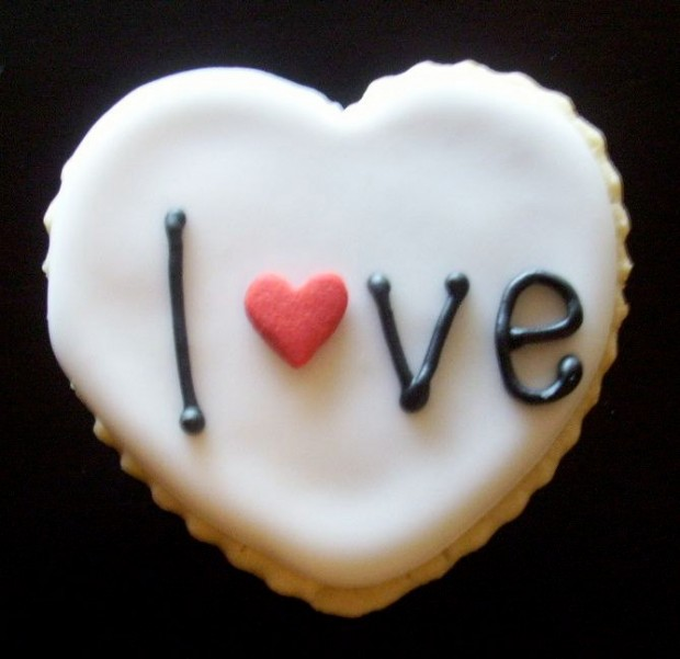 21 Delicious Valentine's Cookie Recipes (12)