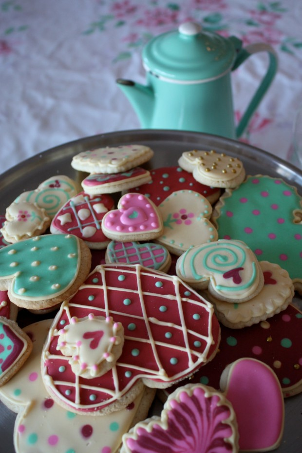 21 Delicious Valentines Cookie Recipes