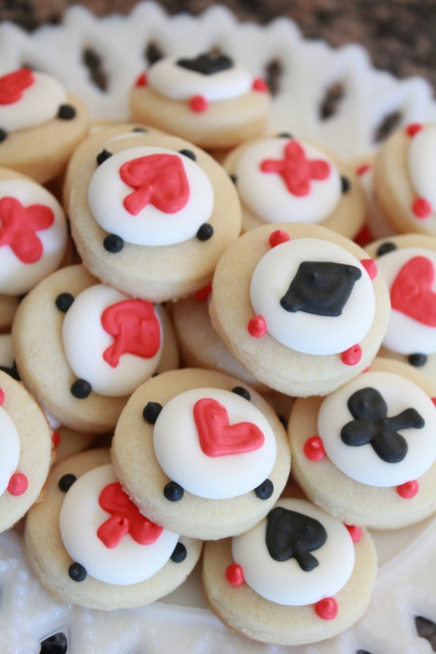 21 Delicious Valentine's Cookie Recipes (18)