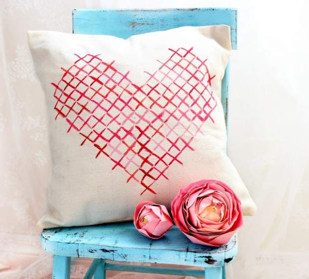 22 Lovely DIY Valentine's Day Decor Projects (3)