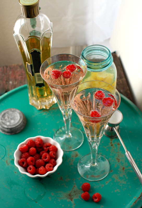 23 Romantic Cocktails for Valentine's Day  (17)