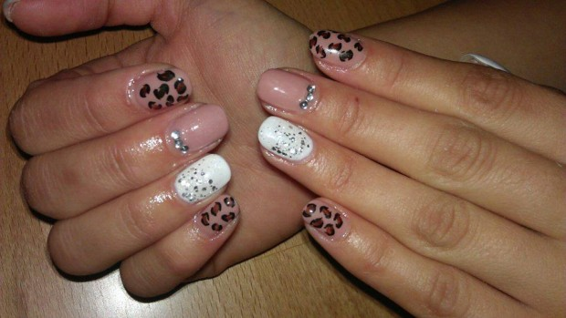 25 Beautiful Nail Design Ideas for You  (10)