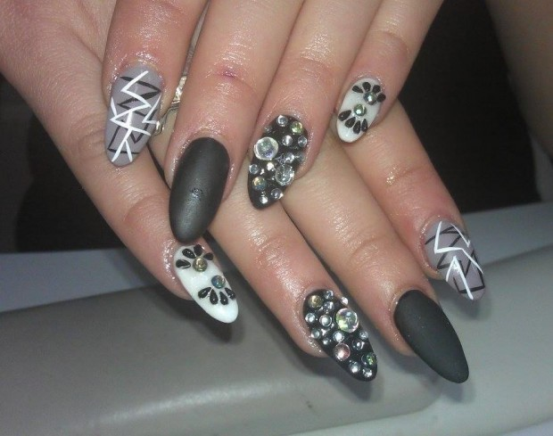 25 Beautiful Nail Design Ideas for You  (13)