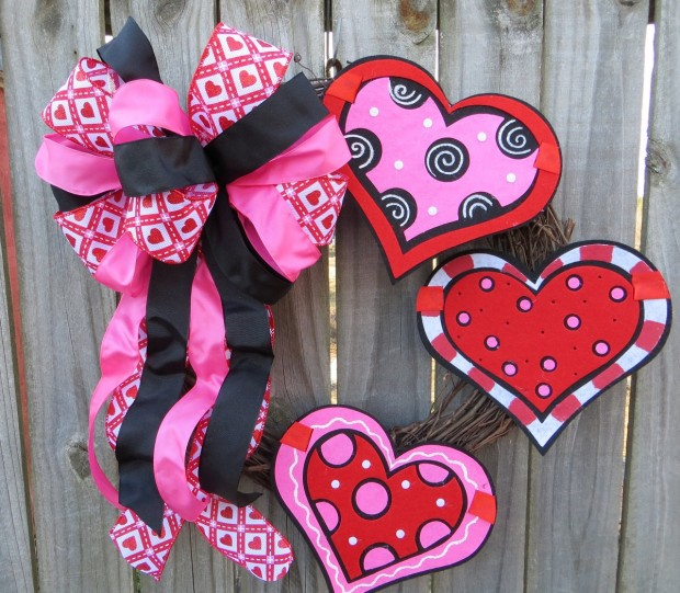 25 Outstandingly Cute Handmade Valentine's Wreath Designs (15)