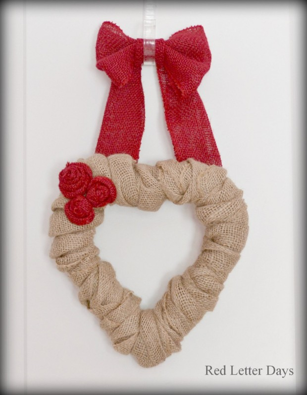 25 Outstandingly Cute Handmade Valentine's Wreath Designs (9)