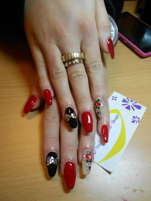 32 Simple and Elegant Nail Design Ideas   (13)