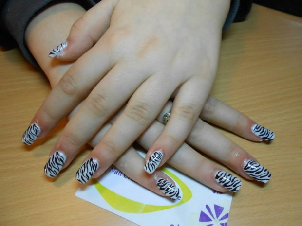 32 Simple and Elegant Nail Design Ideas   (18)