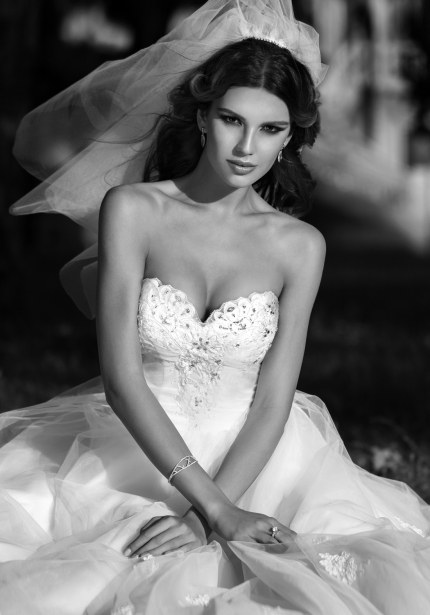 Bridal Collection One Love 2014 by Bien Savvy for the Woman in Love (18)